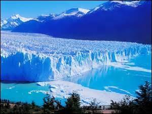 Waouh ! C'est magnifique ! Le glacier Perito Moreno se trouve au sud de...