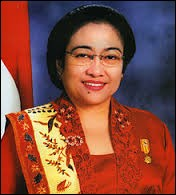 Megawati Sukarnoputri fut présidente de 2001 à 2004 dans le pays qui compte le plus grand nombre de musulmans au monde. Quel est son nom ?