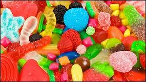 Parce que j'étais très gourmande, j'adorais les __ !