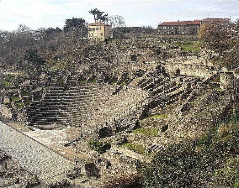 """L - """"Lugdunum"""", l'actuelle ville de Lille fut capitale de la Gaule romaine."""