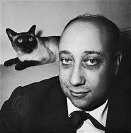 """Né à Paris, le 20 octobre, Jean-Pierre Grumbach, plus connu sous le nom de Jean-Pierre Melville, est un réalisateur dont les films sont dominés par la solitude, l'échec et la mort. Devenus des classiques du cinéma français, on lui doit notamment : """"Le silence de la mer"""", en 1947, ou """"L'aîné des Ferchaux, en 1963. Quel est le titre de son dernier long-métrage sorti en 1972 ?"""