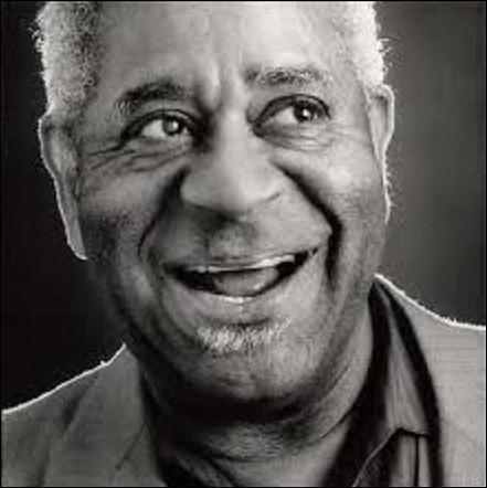 """Né à Cheraw (Caroline du Sud), le 21 octobre, Dizzy Gillespie est un auteur-compositeur-interprète et chef d'orchestre de jazz américain. Participant à la création du style """"Bebop"""", il contribue aussi à introduire les rythmes latino-américains dans le jazz. Mort le 06 janvier 1993, à Englewood (New Jersey), de quel instrument était-il un virtuose ?"""