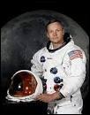 Qui est le premier à avoir marcher sur la Lune ?