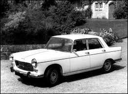 Cette année là, mon père change sa Peugeot 403 pour une 404 ! Berline produite de 1960 à 1975. La carrière du pick-up fut plus longue. Produite en dernier au Kenya, quand sa production fut-elle stoppée ?
