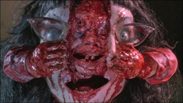 """Quelle affirmation est fausse concernant """"Braindead"""" film d'horreur sorti en 1992 ?"""