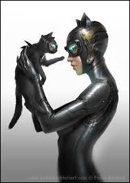 Isis est la chatte noire de Catwoman.