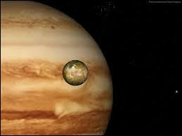 C'est Galilée qui a trouvé les 4 satellites naturels de cette planète :