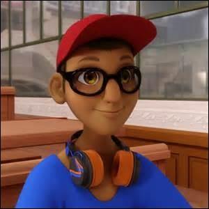 Qui est Nino pour Adrien ?