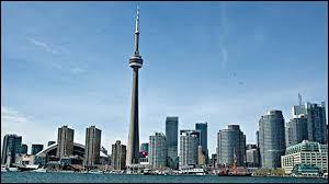 Dans quelle ville peut-on admirer la Tour CN ?