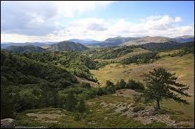 Où se situe le mont Pinde ?
