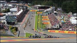 Quels étaient les pilotes impliqués dans l'accrochage du premier virage du Grand Prix de Belgique ?