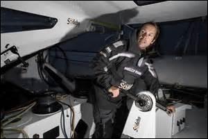 Nouveau recordman du tour du monde à la voile en solitaire, Thomas Coville rentre dans l'histoire ! Mais en combien de jours a-t-il fait ce tour ?
