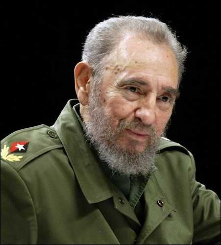 Mort d'un célèbre dictateur, 90 ans, régnant sur Cuba d'une main ferme. Comment se nomme-t-il ?