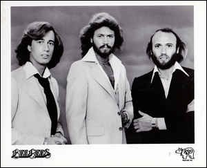 "Quelle est la nationalité du groupe ""The Bee Gees"" ?"