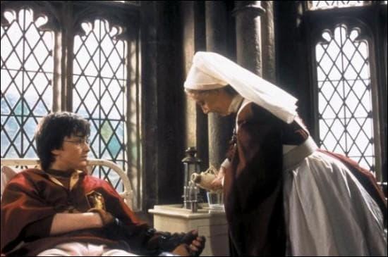 Pourquoi Harry s'est il retrouvé à l'infirmerie ?