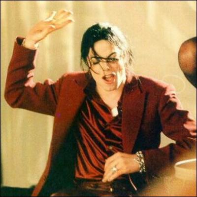 Cette photo a été prise en 1997 (attention il y a un piège) : de quel album s'agit-il ?