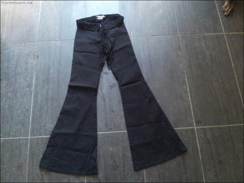 Trouvez les années d'émergence de ce type de pantalon !
