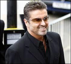 Ce chanteur britannique a commencé sa carrière dans le groupe Wham! dans les années 80 avant d'entamer une carrière solo à la fin de années 80, il s'agit de...