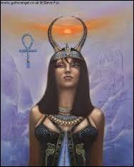 Cette déesse personnifiait l'étoile Sirius étant la plus importante pour les anciens Égyptiens. Qui est-elle ?