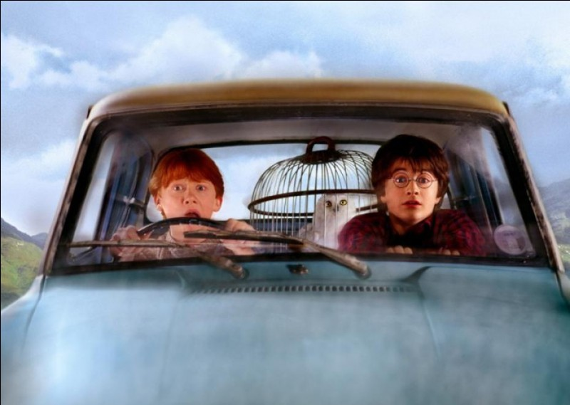 Où J.K Rowling pensait-elle faire atterrir la voiture volante ?