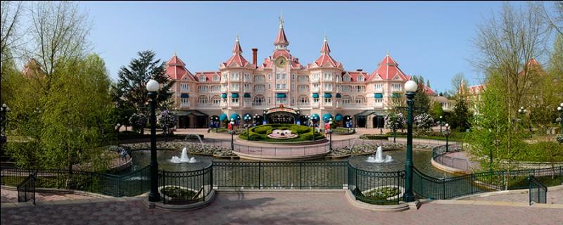 Où est situé Disneyland ?