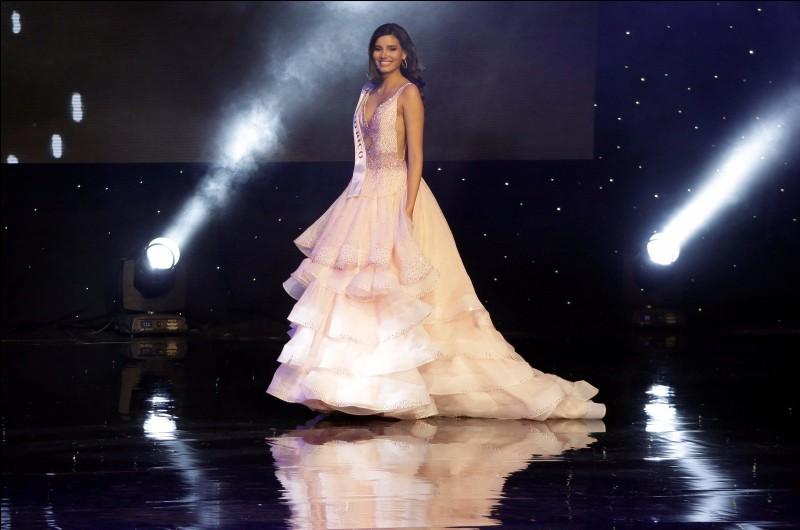 Quel pays représentait Stephanie del Valle qui fut sacrée Miss Monde en 2016 ?