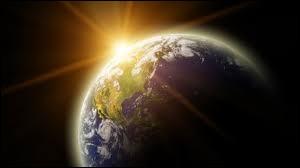A quoi correspond la distance Terre-Soleil, soit 150 000 000 de km ?