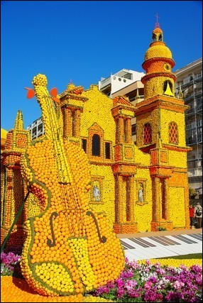 Quelle ville organise chaque année la fête du Citron ?
