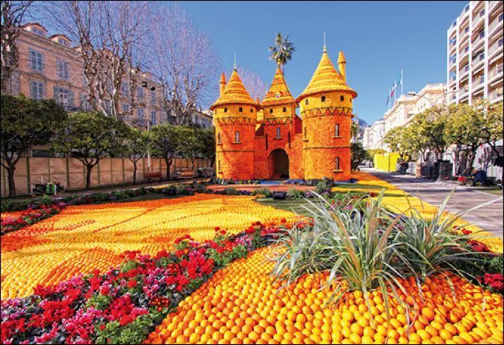 Si elle décidait de partir en février, sans quitter la France, elle pourrait aller assister à la somptueuse fête des citrons !