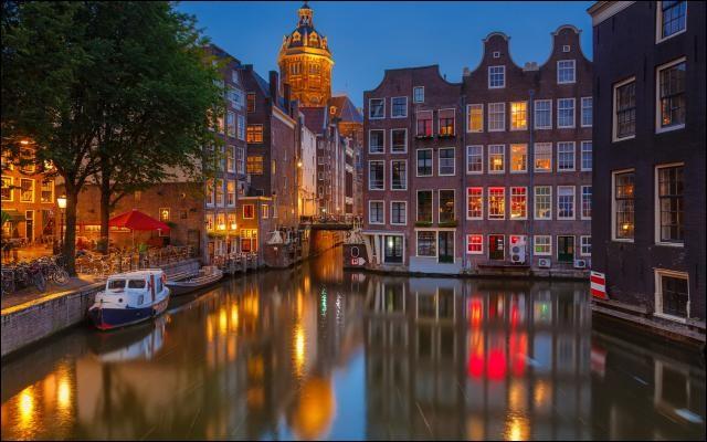 Où encore passer un week-end de charme dans cette ville magnifique, et en profiter pour faire un clin d'oeil à Rembrandt au Rijkmuseum !