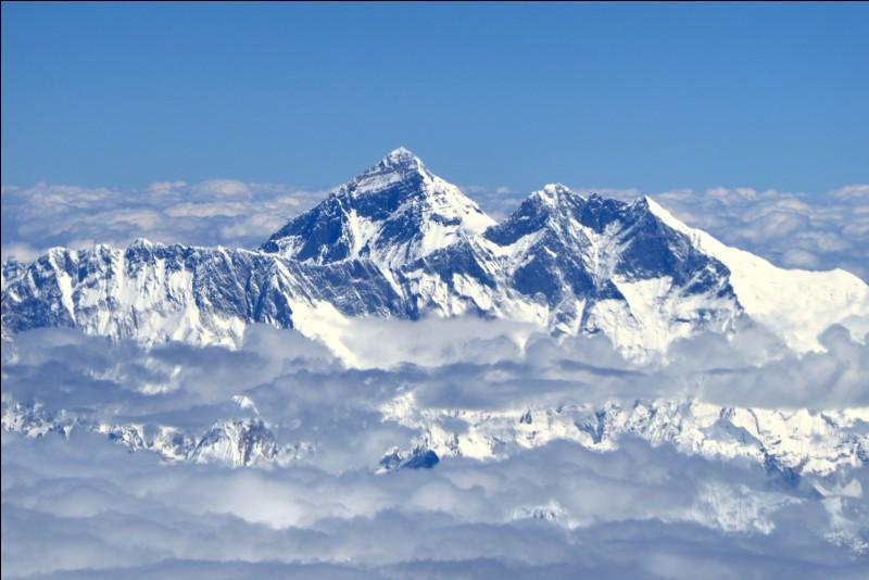"""Quel sommet est appelé """"Le toit du Monde"""" ?"""