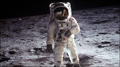 """Quelle est la bonne traduction d' """"astronaute"""" ?"""