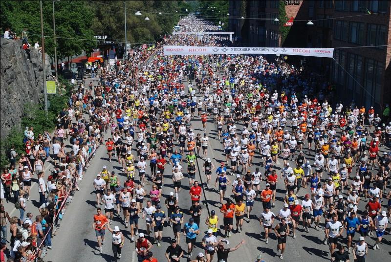 """M - L'épreuve sportive de course à pied, le """"marathon"""", se dispute sur une distance de 40,5 km."""