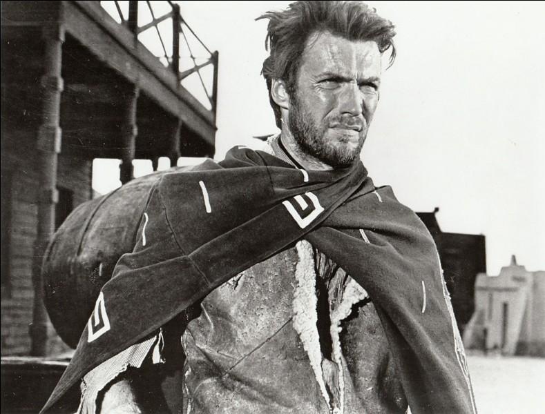 """E - Clint """"Eastwood"""" reçoit un Oscar au Festival de Cannes en 2009."""