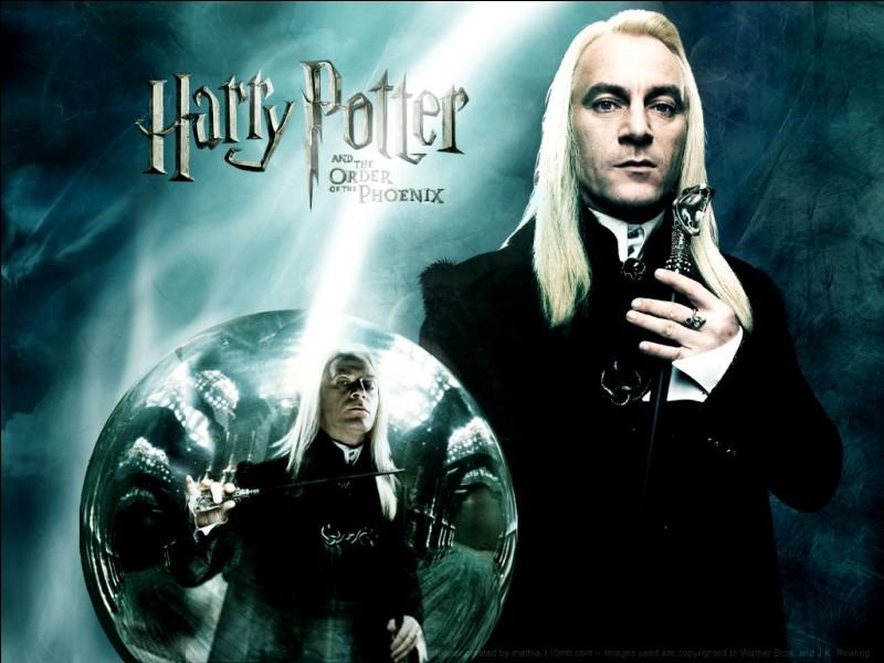 Que veulent Lucius et Bellatrix ?