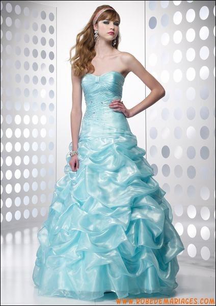 Quelle robe préfères-tu ?