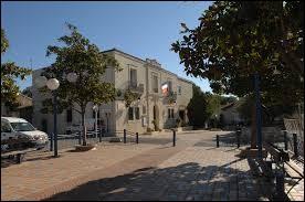 Nous partons en Occitanie à la découverte du Crès. Ville de l'agglomération Montpelliéraine, elle se trouve dans le département ...
