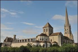 Commune Viennoise, Saint-Savin (appelée également Saint-Savin-sur-Gartempe), se situe dans l'ancienne région ...