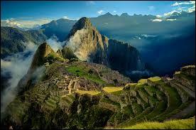 Dans quel pays se situe le Machu Picchu ?
