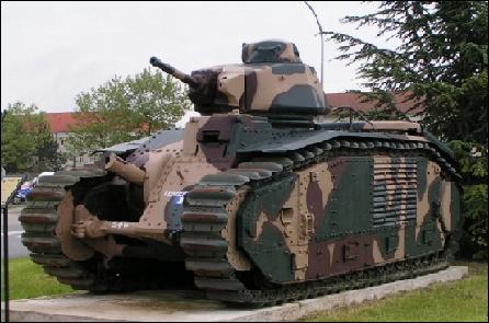 C'est le plus gros char du monde à l'époque, il est français comment s'appelle-t-il ?