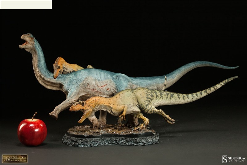 Quels dinosaures représente cette figurine ?