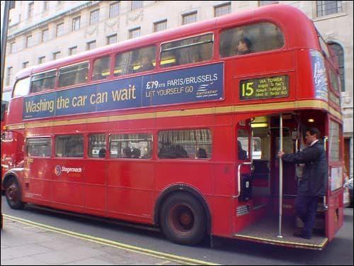 Les aiguilles de Big Ben font la taille d'un autobus.