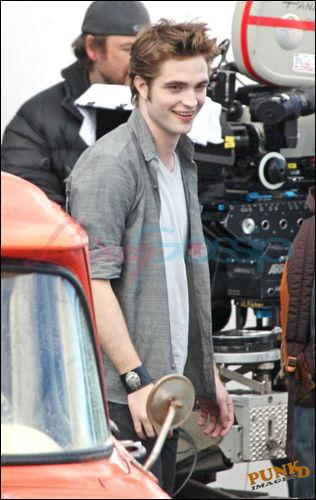 Quel incident Robert Pattinson a eu en tounant new moon ?