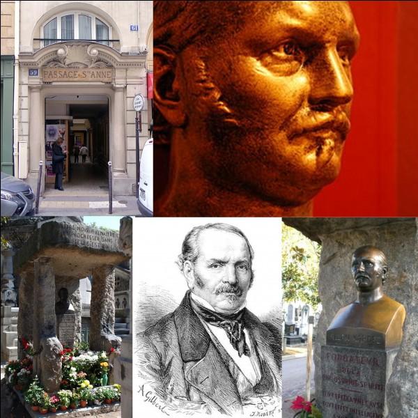 Allons au « passage Sainte-Anne » !Au numéro 59, vivait un certain « Hippolyte Léon Denizard Rivail ». Ce personnage est connu sous un autre nom. Malgré sa mort, il conserve une « popularité » toujours d'actualité. Il suffit de se rendre au cimetière du Père-Lachaise pour le constater. Sa tombe est l'une des plus visitées et la plus fleurie.Sous quel nom est-il plus connu ?