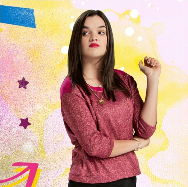 De qui est amoureuse Delfina dans la partie 1 de la saison 1 ?
