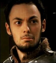 À quel âge Gauvain a-t-il eu une dague offerte par Arthur (On l'apprend dans une phrase prononcée dans un épisode où Gauvain est dans une salle et qu'il doit ouvrir des coffres) ?