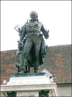 Quel général de la Révolution naquit à Nolay en 1753 ?