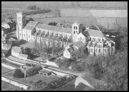 Au XIe siècle, de quelle personne l'abbaye de Vézelay encourage-t-elle le culte ?