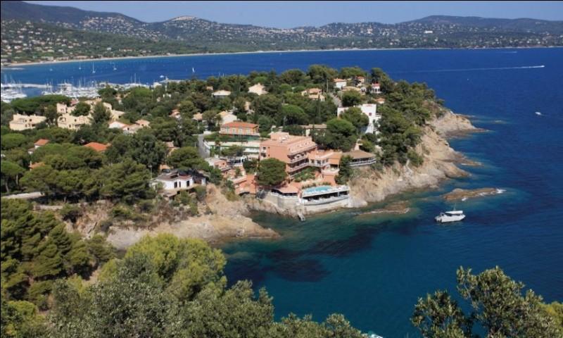 Cavalaire-sur-mer se trouve sur :