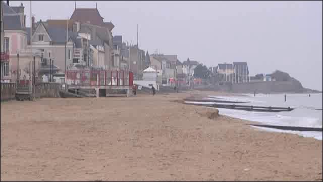 Saint Aubin-sur-mer se trouve sur :